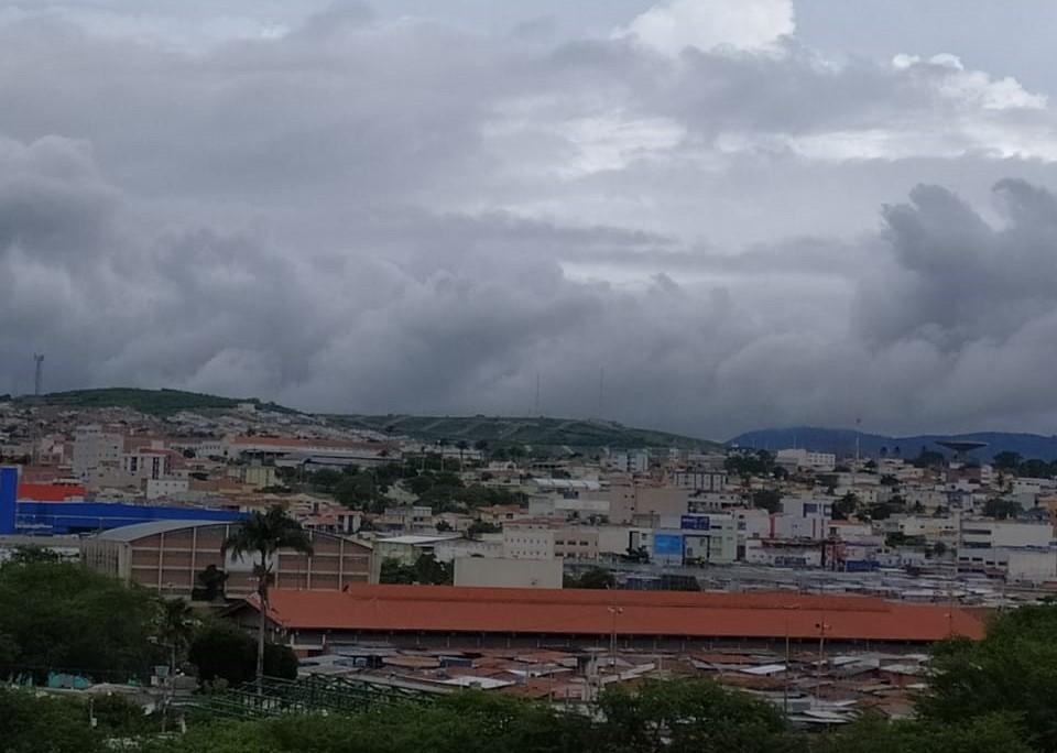 Apac faz alerta de chuvas fortes em todas as regiões do Estado