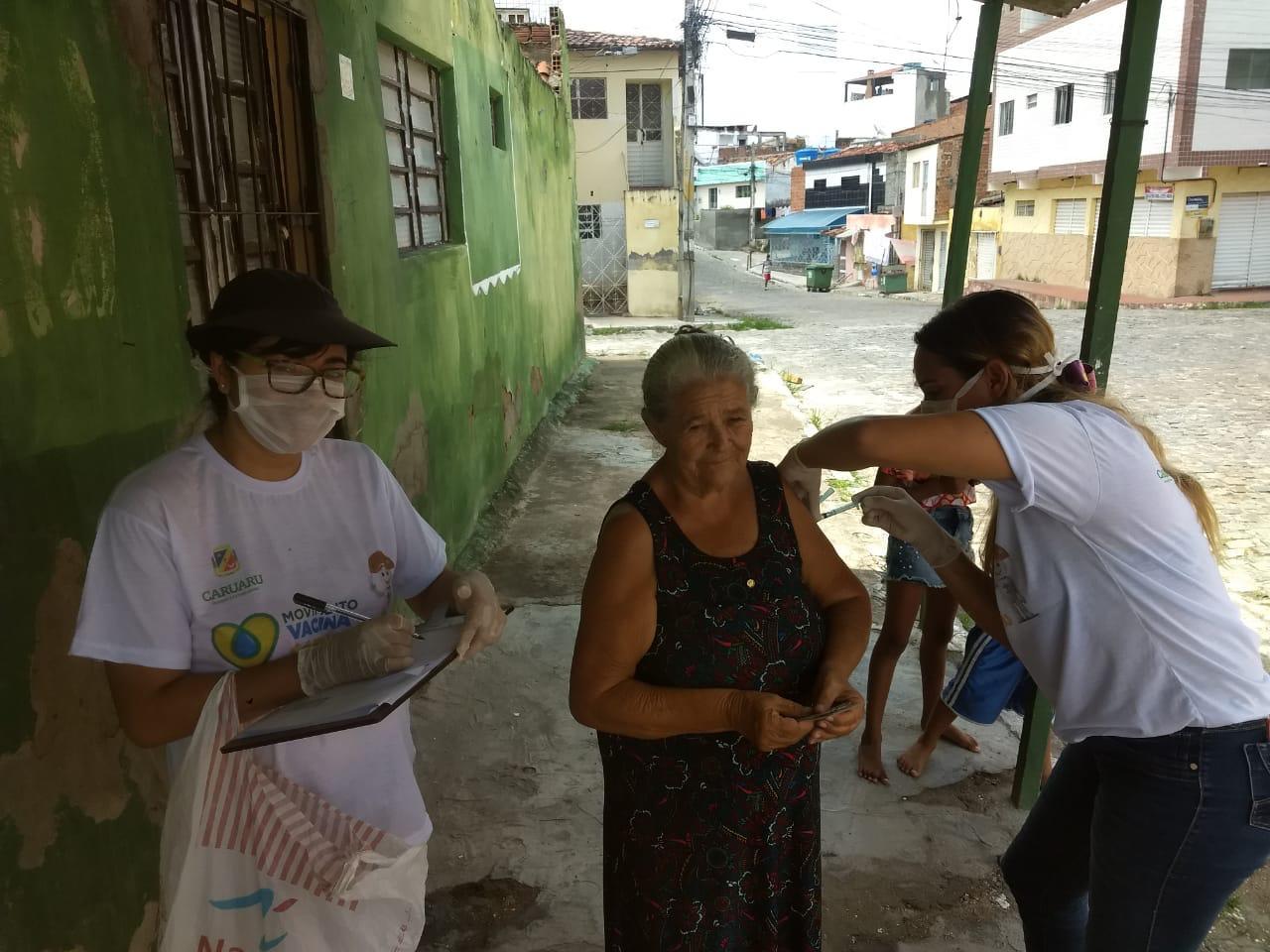 Vacina-Caruaru-divulgação.jpg