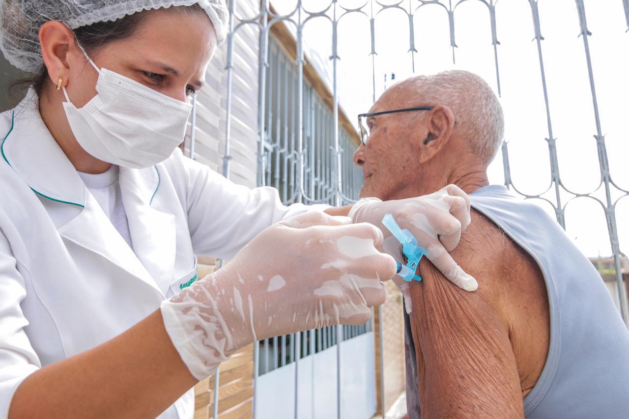 Vacina contra gripe é retomada em unidades de saúde de Caruaru