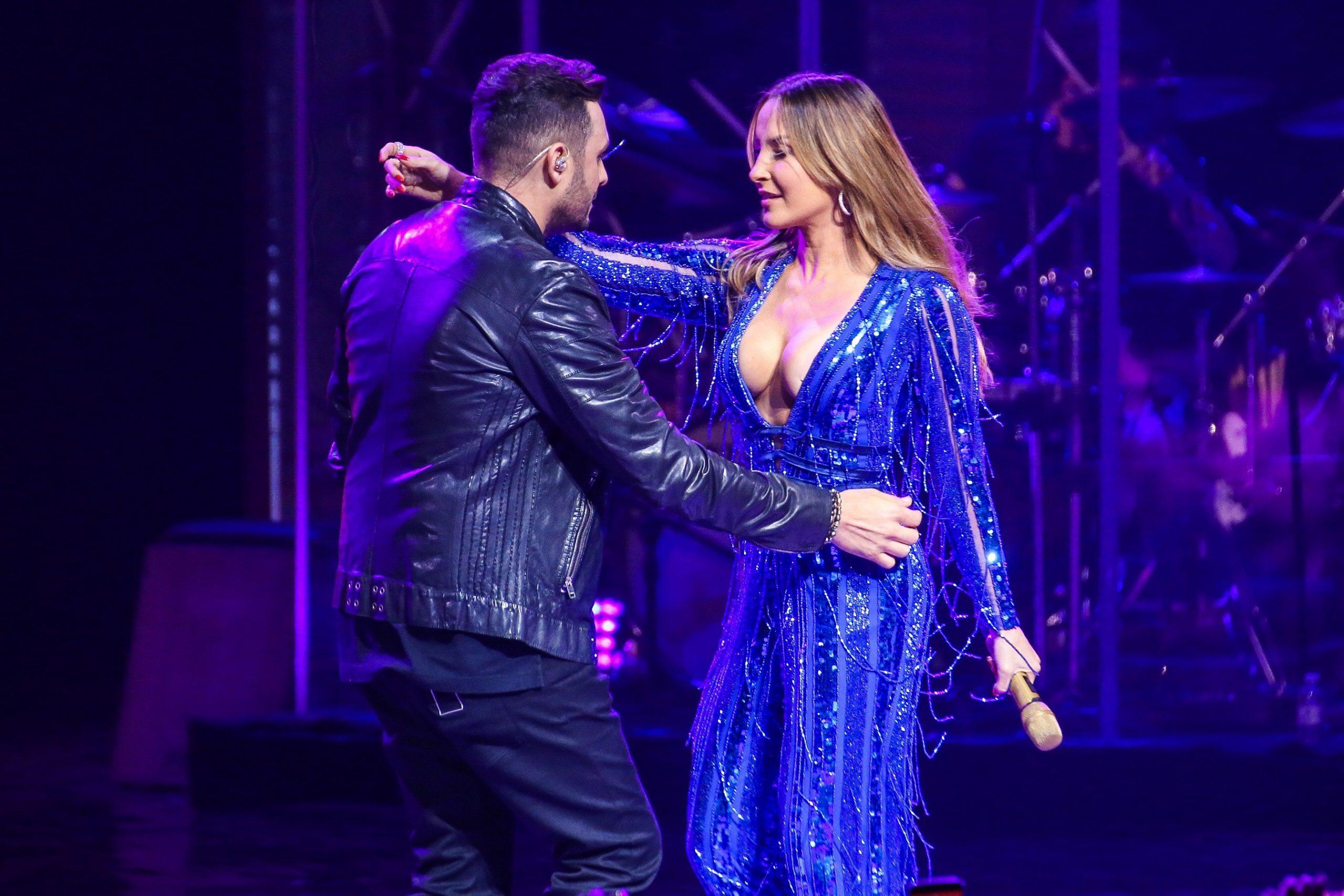 Mano Walter divide palco com Claudia Leitte em SP