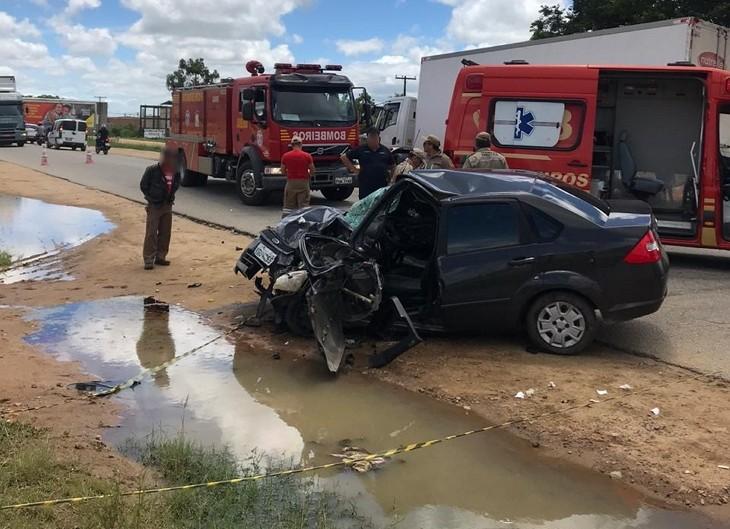 Mulher morre em acidente entre dois veículos em Garanhuns